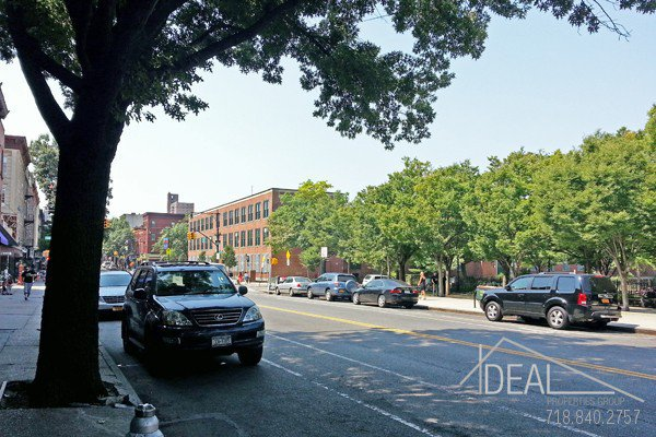 500 SF Commercial Space Available in Bensonhurst! 0