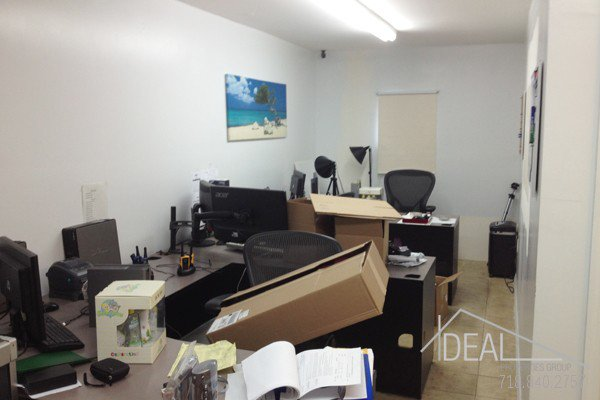 800SF Office Space in East New York 0