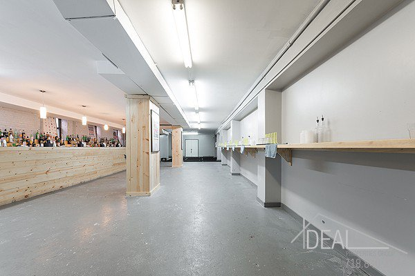 5500SF Space in Bushwick, Perfect for the Restaurant or Bar Lounge of Your Dreams! 1