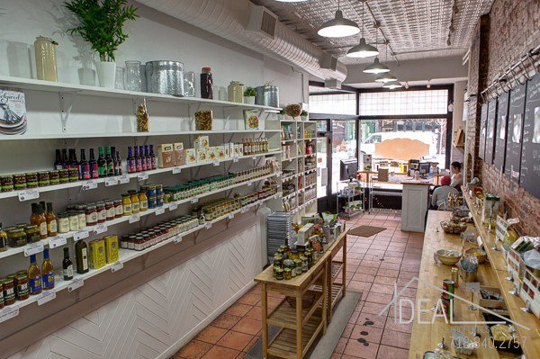 950SF Storefront on Busy 7 Ave in Park Slope 1