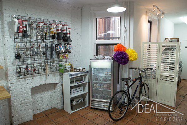 950SF Storefront on Busy 7 Ave in Park Slope 7