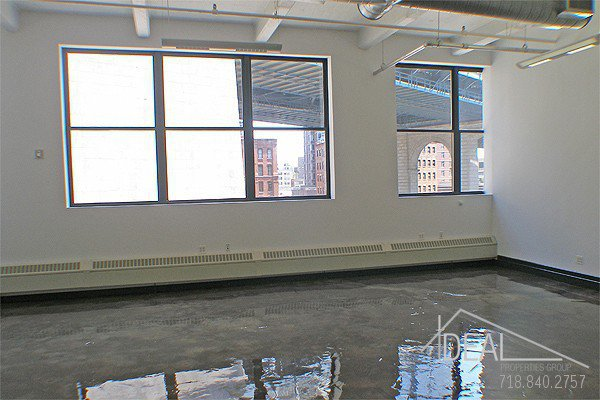 Great 1086-sf Office Space in Dumbo! 3