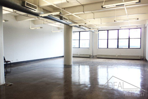 NO FEE: Stupendous  1385-rsf Office Space in DUMBO! 0