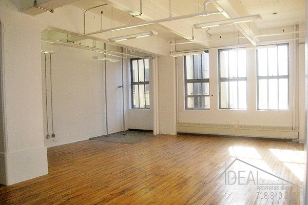 Massive 8376-sf Office Space in Dumbo! 2