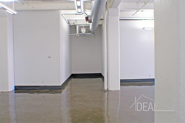 Amazing 421-rsf Storage Space in Dumbo! 2