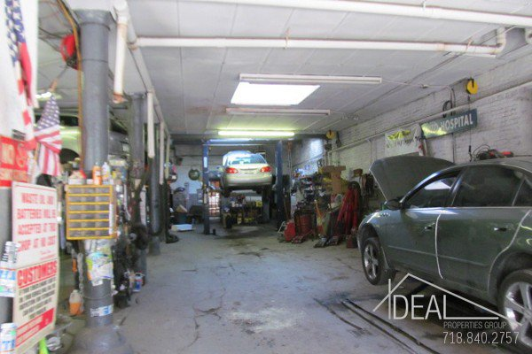 3,500 S/F Garage in Gowanus 0