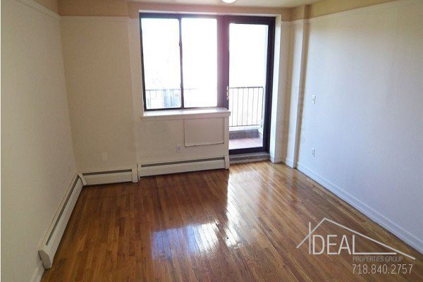 Beautiful 2BR with Private Balcony in East Village! 0