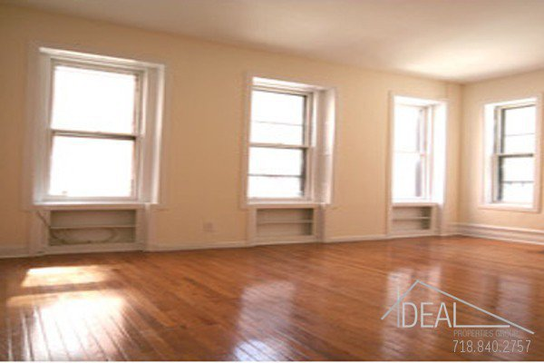 Beautiful Studio in Murray Hill! 0