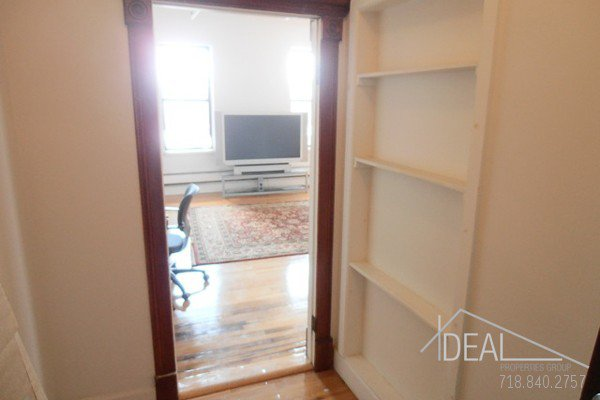 Beautiful office space in Columbia Street Waterfront District! 5