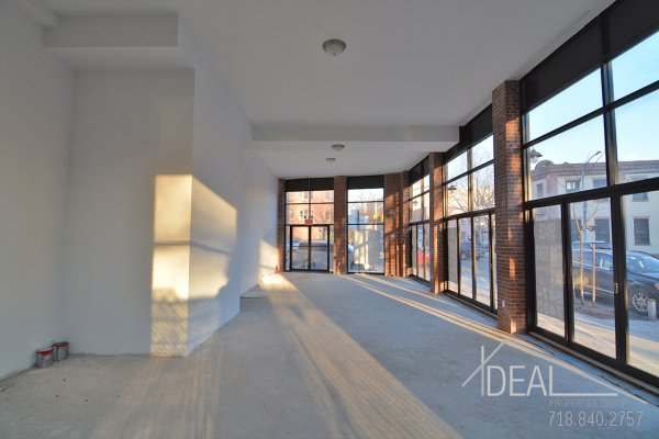 New Construction, 2700 Sf Storefront in Greenpoint 0