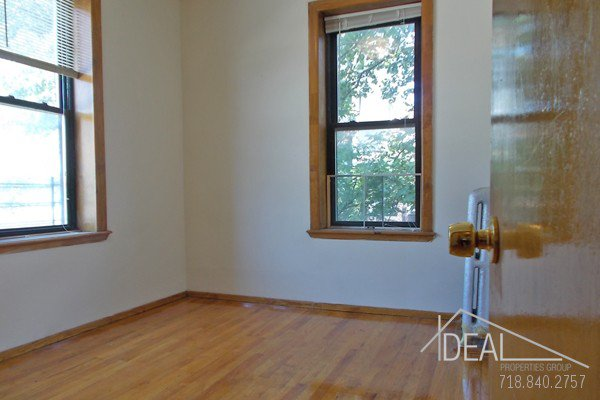 NO FEE! Wonderful 3 Bedroom Apartment for Rent in Park Slope with Backyard! 4