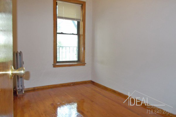 NO FEE! Wonderful 3 Bedroom Apartment for Rent in Park Slope with Backyard! 5