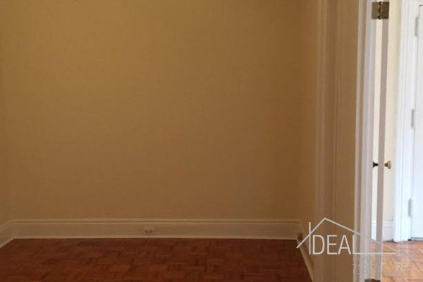 Large 1 Bedroom + DEN with 1.5 Bath in Park Slope  3