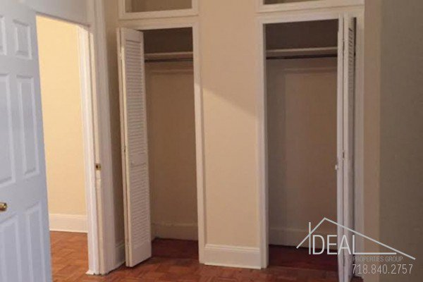 Large 1 Bedroom + DEN with 1.5 Bath in Park Slope  4