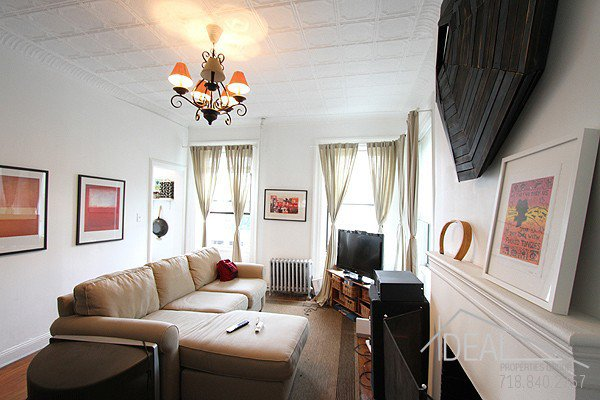 2 Bedroom 1 Bathroom Apartment For Rent In Historic Brooklyn Heights Apartment Building