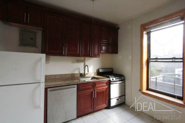 NO FEE! Perfect South Slope 3 bedroom off 5th Ave! 5