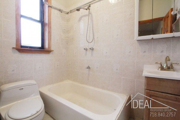 NO FEE! Perfect South Slope 3 bedroom off 5th Ave! 6