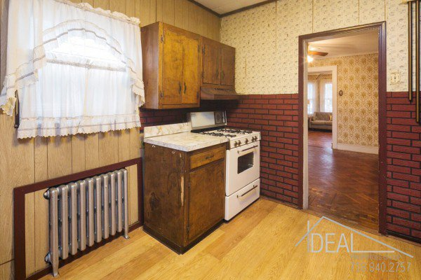 In Contract:  345 East 32nd Street Brooklyn, NY 11226 - Single Family Flatbush Home for Sale 9