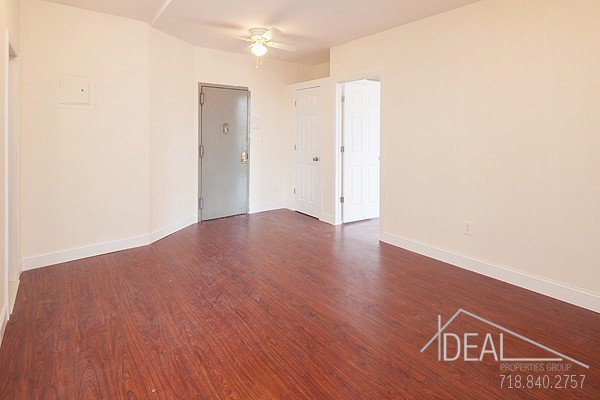 No Fee! Beautiful 2 Bedroom Apartment for Rent in North Slope! 1