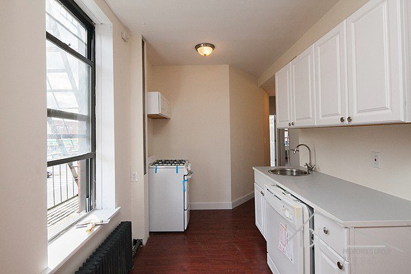 No Fee! Beautiful 2 Bedroom Apartment for Rent in North Slope! 2