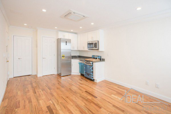Great Studio Apartment for Rent in Prime Park Slope! 2