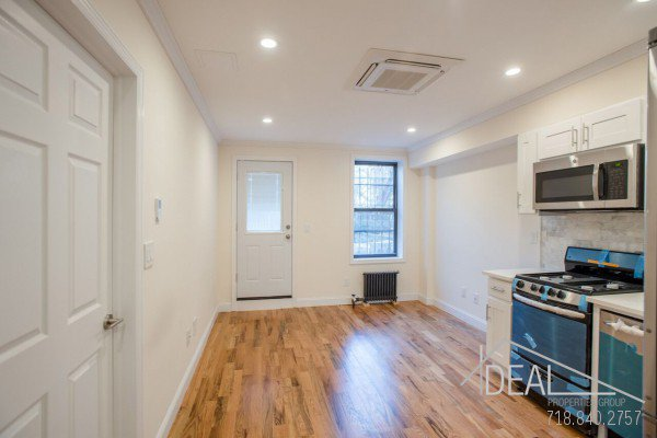 Great 1 Bedroom Apartment for Rent in Prime Park Slope! 3
