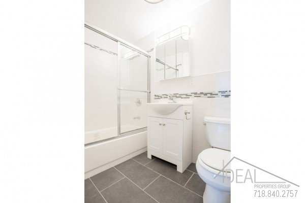 Great 1 Bedroom Apartment for Rent in Prime Park Slope! 4