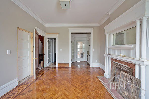 381 Sterling Place #2 Brooklyn NY 11238--AMAZING 1.5BR in PRIME Prospect Heights Brownstone! 1