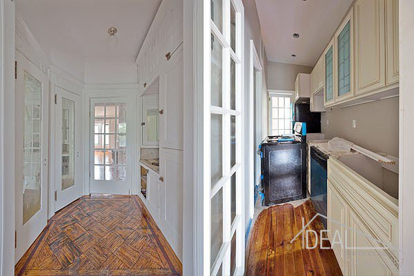381 Sterling Place #2 Brooklyn NY 11238--AMAZING 1.5BR in PRIME Prospect Heights Brownstone! 2