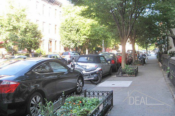 2 Bedroom 1 Bathroom Apartment for Rent in Park Slope Apartment Building! 5