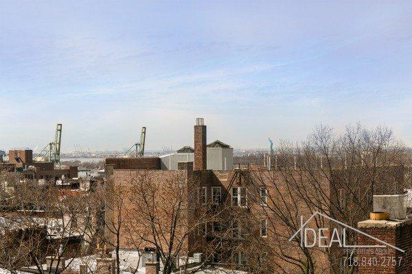 NO FEE + 1 MONTH FREE! Fantastic 1BR Apt in Brooklyn Heights 10