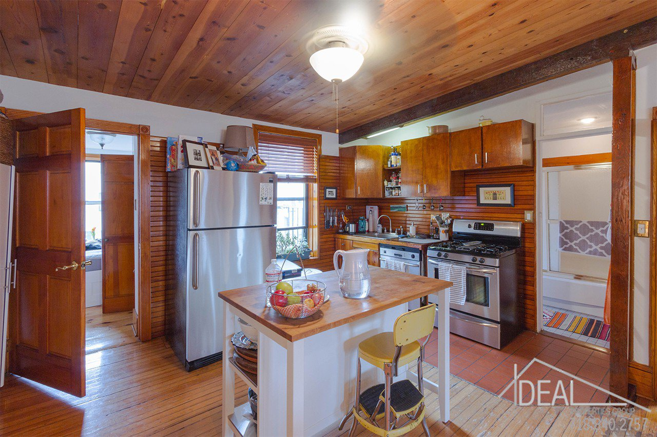 Exquisite 4-Family Townhouse for Sale in Carroll Gardens! 1