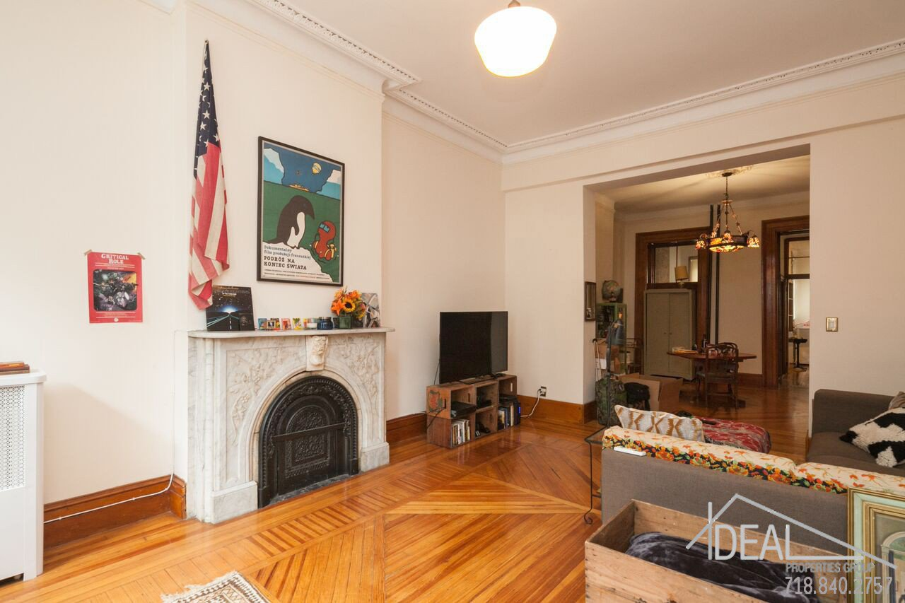 Exquisite 4-Family Townhouse for Sale in Carroll Gardens! 7