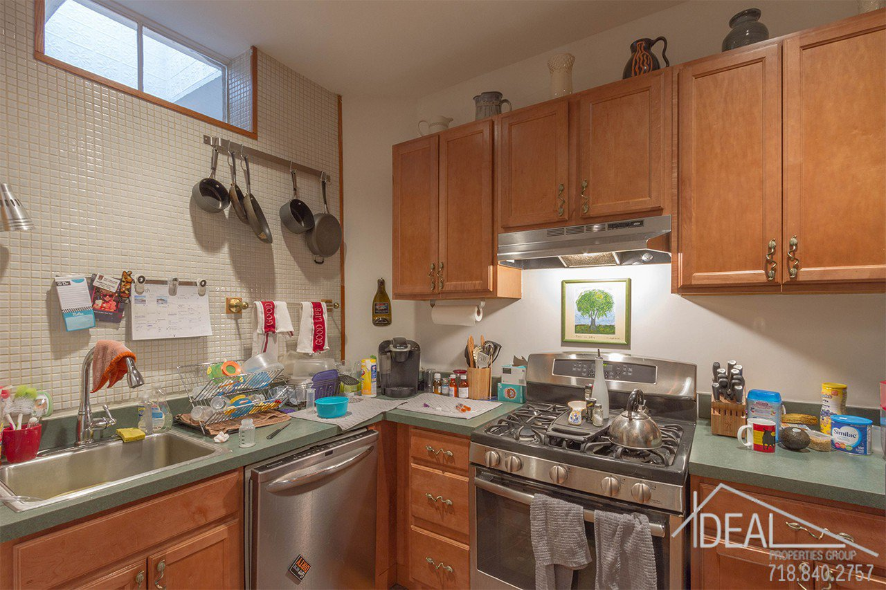 Exquisite 4-Family Townhouse for Sale in Carroll Gardens! 10
