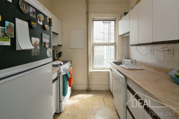 594 16th St Apt #3, Brooklyn, NY 11218 - 3.5 Bedroom 1 Bathroom Apartment for Rent in Windsor Terrace, Brooklyn Townhouse! 9