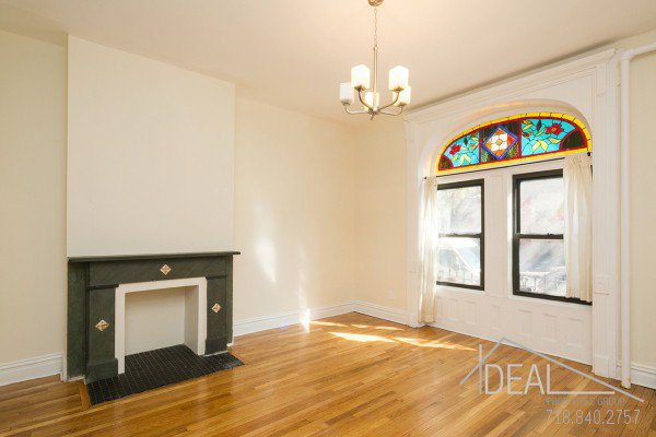 Immaculate 3.5 Bedroom in Prospect Heights 0